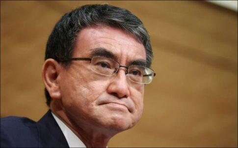 河野太郎とクシャおじさんの似ている顔の画像比較!自民党総裁選の楽しみ方!